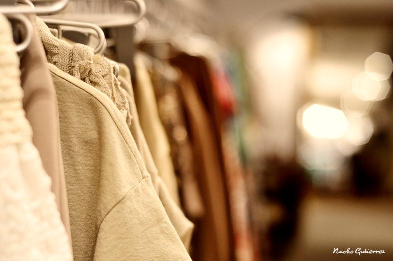 Atelier Concept - ropa en tonos crudo y térreos