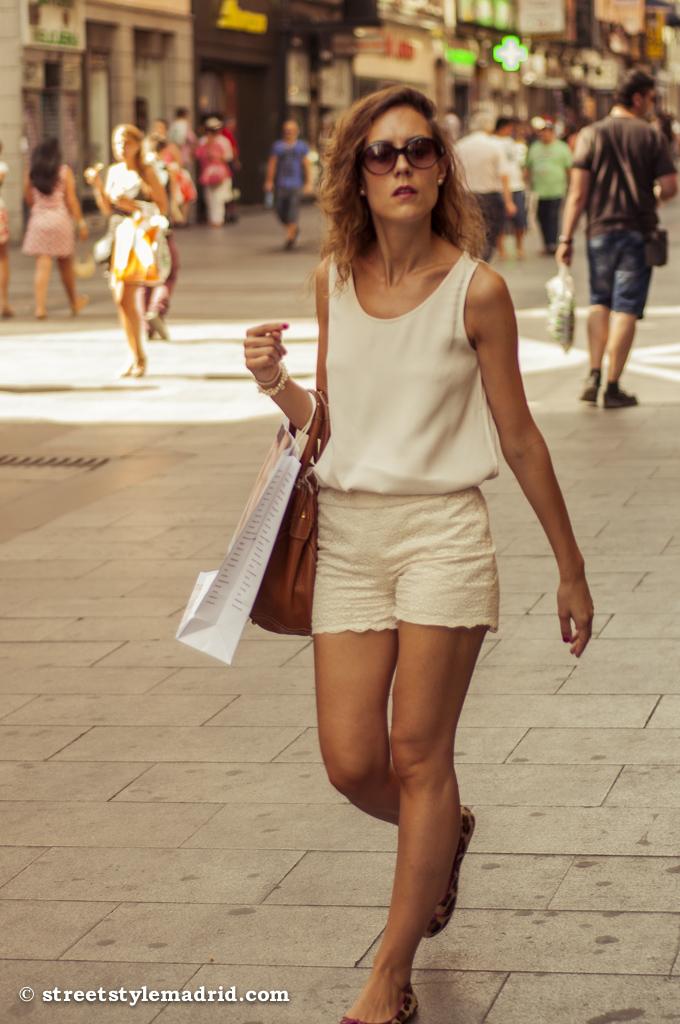 Blusa y shorts, todo blanco