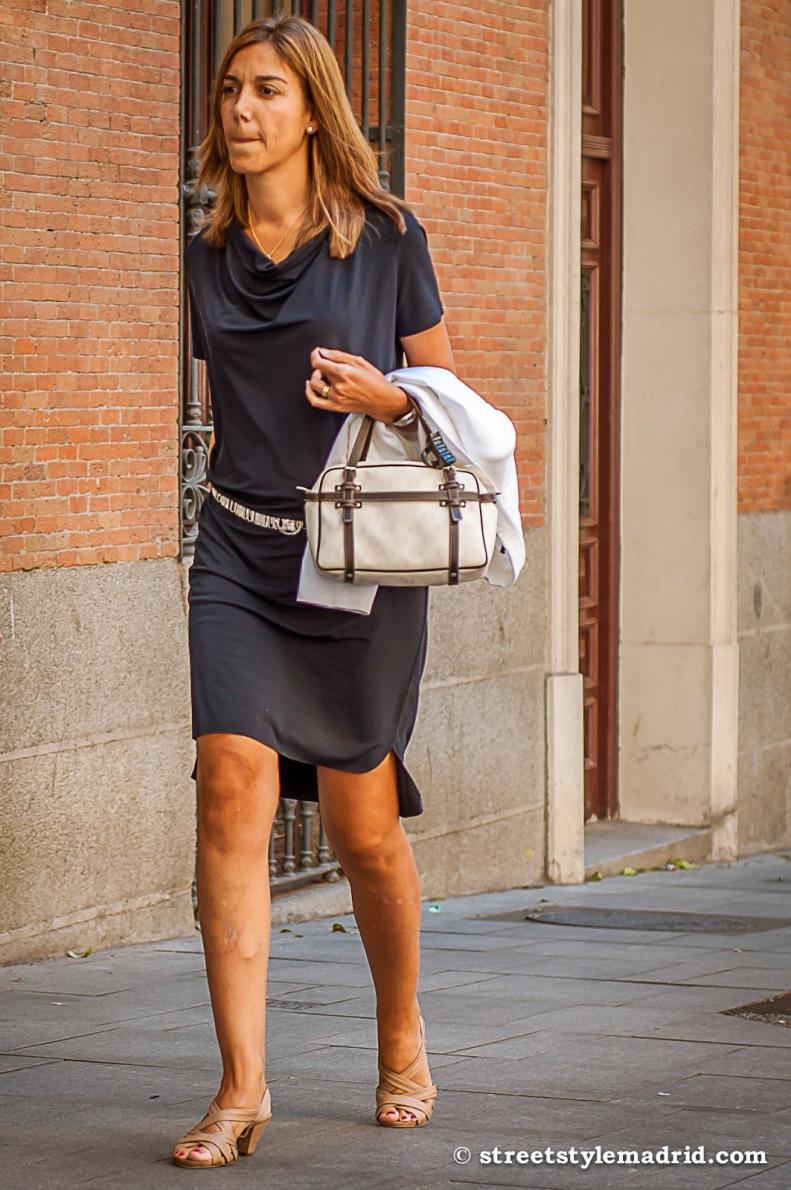 El bolso de Loewe, siempre un complemento perfecto.