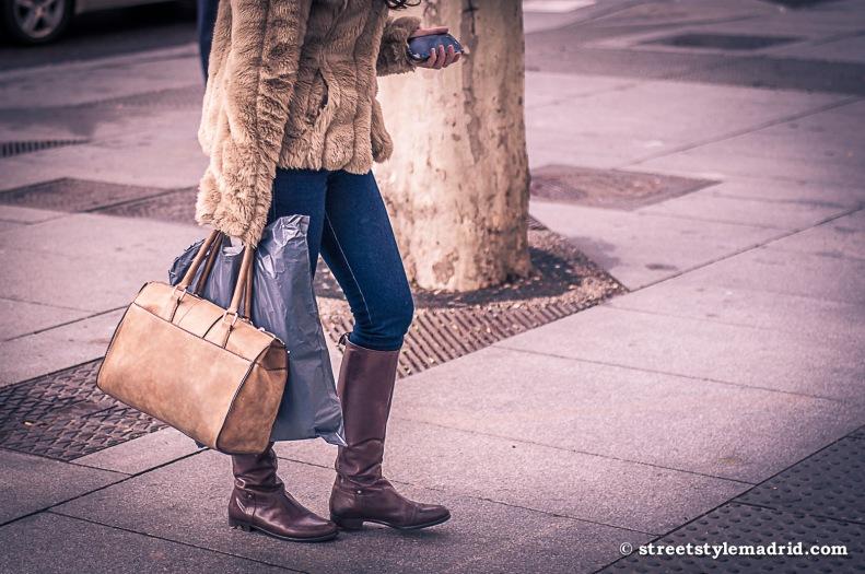 Todo en piel... menos los jeans.