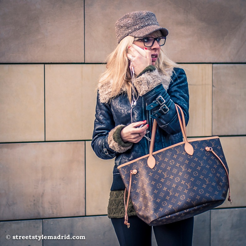 Street style Madrid bolso Louis Vuitton chaqueta piel