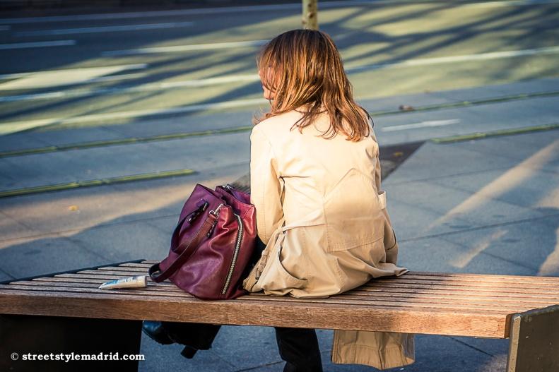 Abrigo de piel, bolso de piel granate, street style madrid