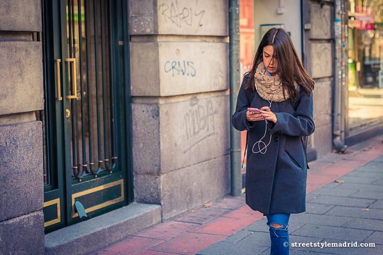 Abrigo, cuello, jeans, street style