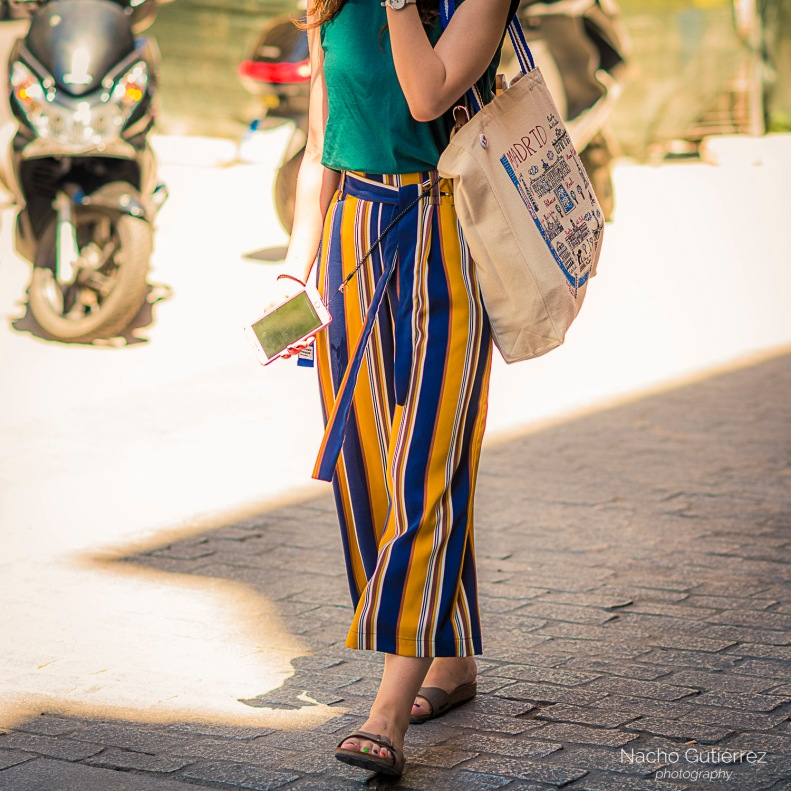 Pantalón coulotte en colores con rayas verticales