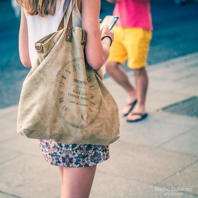 Bolso grande de tela de saco con letras