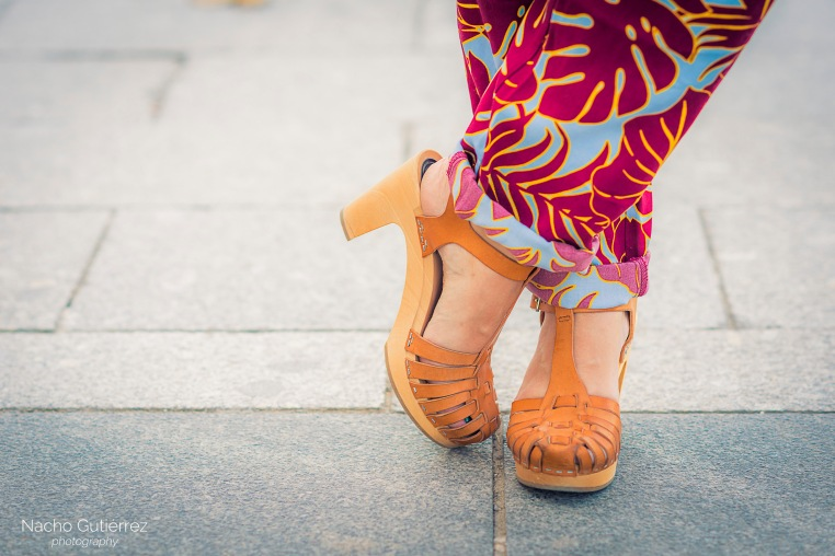Anitta Ruiz sandalias zueco en street style madrid