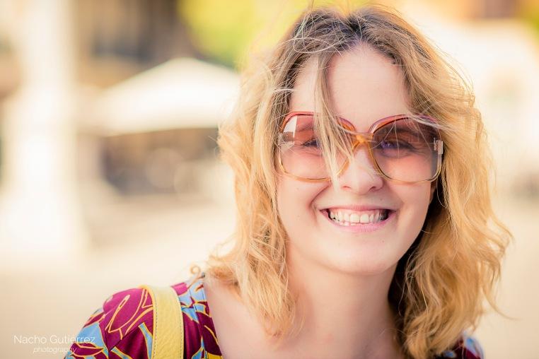 Anitta Ruiz gafas de sol vintage en street style madrid