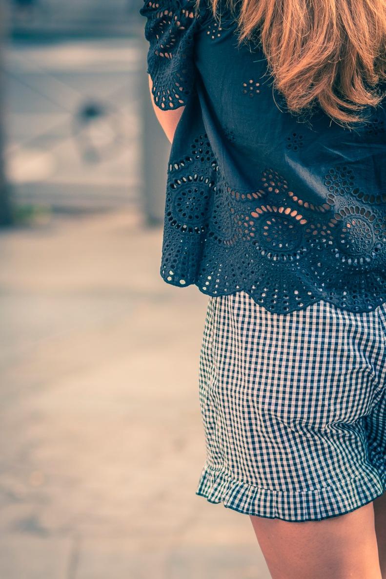 street style, madrid, moda, fashion, ootd, streetstyle, cuadros, shorts, azul, blue